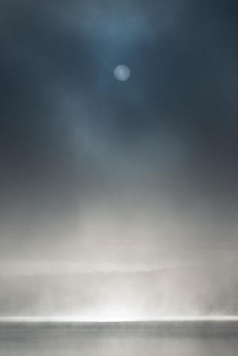 A00_3856-sun-and-mist-fog-maridalsvannet-norway