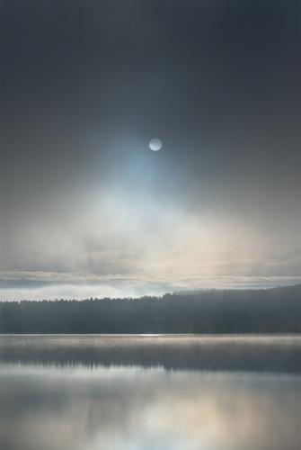 A00_3885-sun-and-mist-fog-maridalsvannet-norway
