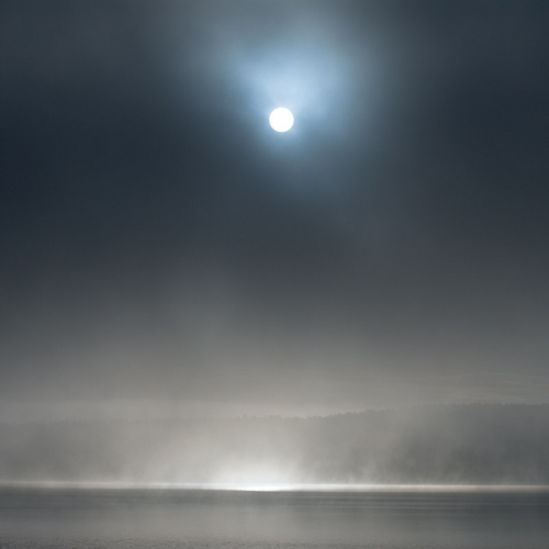 A00_3854-sun-and-mist-fog-maridalsvannet-norway