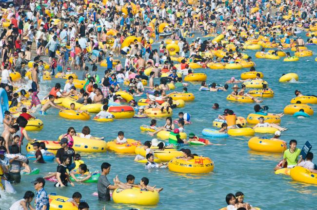 Overflow at Haeundae beach, Korea