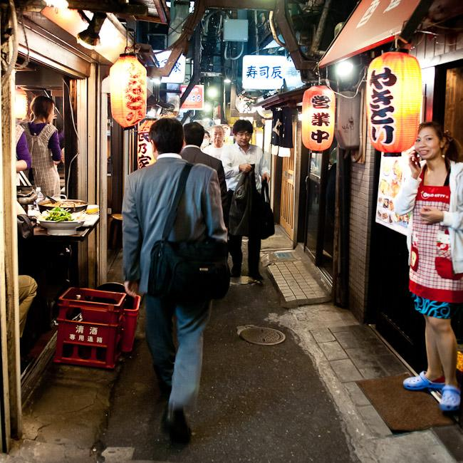 Looking for a place to eat in the alleys of Shinjuku, Tokyo